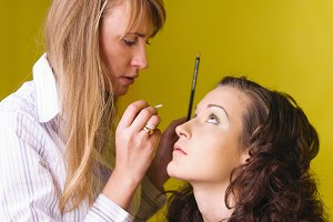 applying cosmetic