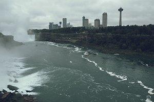 Niagara Falls Rainny Day