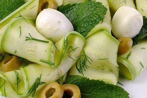 Zucchini salad with mozzarella