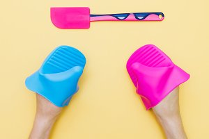 silicone gloves and  kitchen trowel