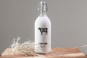 Milk bottle mock up (3x)