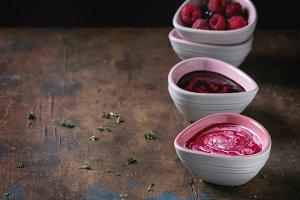 Dessert berry soups