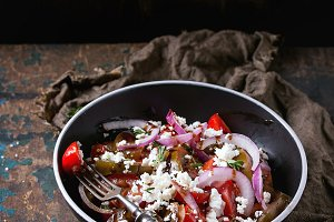 Tomatoes and onion salad