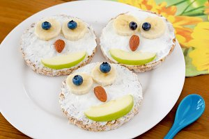 Owl cakes, funny breakfast for kids