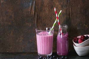 Homemade blueberry and raspberry smoothie