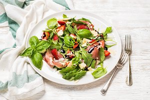 Prosciutto and strawberry salad