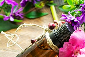 Essential oil, and roses flowerS