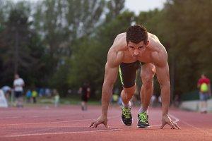 runner start kneeling opposite way