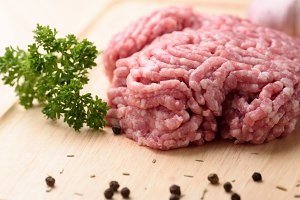 minced pork uncooked
