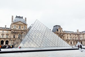 Louvre Museum 18