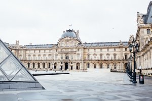 Louvre Museum 16