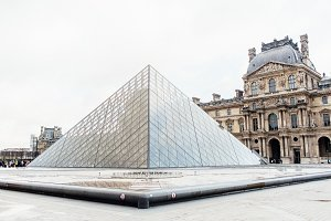 Louvre Museum 10