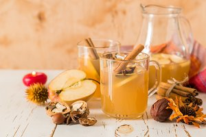 Apple and cinnamon cider