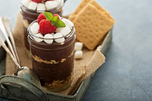 Smores chocolate pudding in a jar