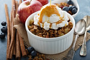 Apple crisp with vanilla ice cream