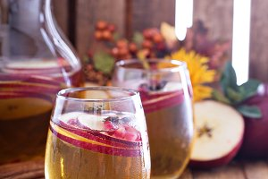 White sangria with apple cider