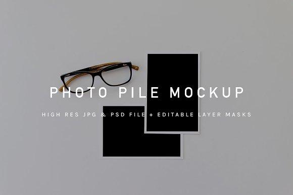 Download Photographs Mockup + Glasses psd+jpg
