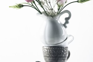 Tableware with flowers