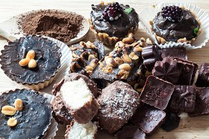 Homemade raw cakes