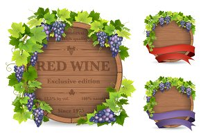 Grapes and wooden barrel