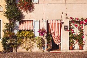 The Italian yard