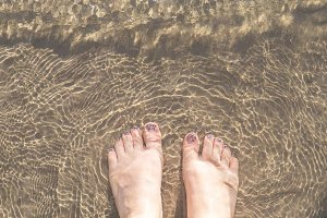 Feet in the sand S