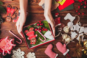 Preparation a Christmas gift box