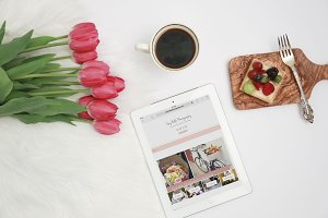 Tulips and Ipad Mockup