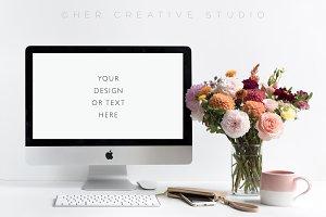 Styled Autumn Floral Desktop