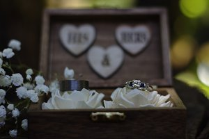 his + hers wedding rings