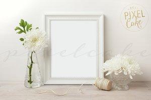 White Frame Mockup (FM0005)