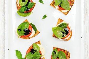 Caprese sandwiches with tomato