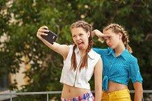 Best friends do selfie