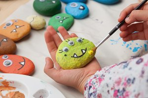 Making a stone monster craft