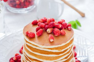 Pancakes with Wild Strawberries