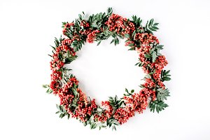 Wreath frame with rowan