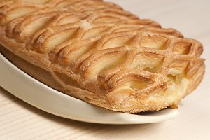 Apple jam pie