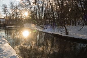 winter river, the sun and snow 2016