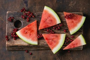 Watermelon with red currant