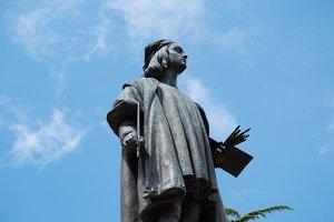 Raphael's statue Urbino