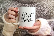 Snowy Mug Mockup. PSD