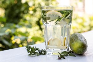 detox with lemon, mint and cucumber