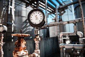 manometer, measuring gas pressure