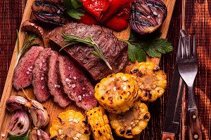 Grilled steak and vegetables