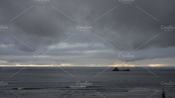 Pacific Ocean Sunset. Makah Bay - Nature