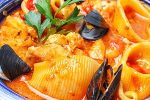 seafood sauce and mussels