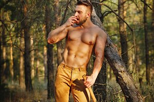 Lumberjack eating an apple.