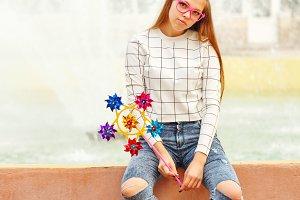 Girl teenager Spinner Array Tool