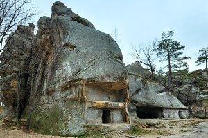"""House in rock """"Skeli Dovbusha"""""""