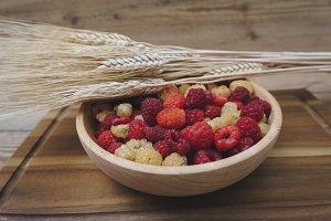 Blackberries and raspberries in bowl